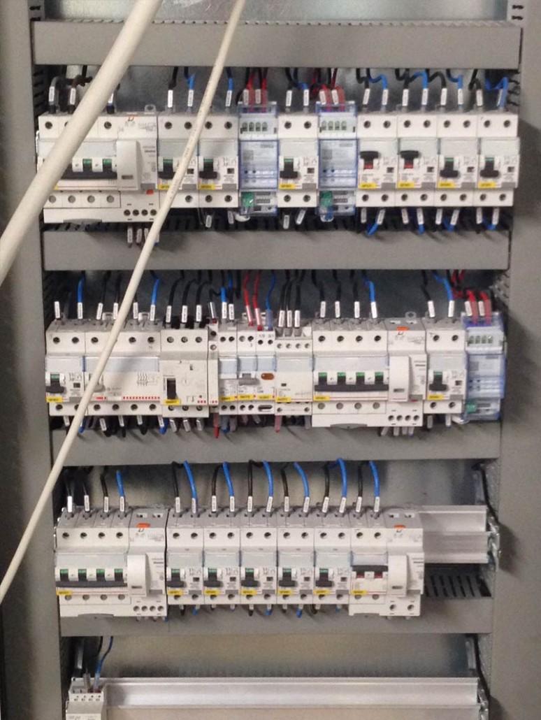 Schemi Cablaggio Quadri Elettrici : Giemme impianti elettrici cablaggio quadri